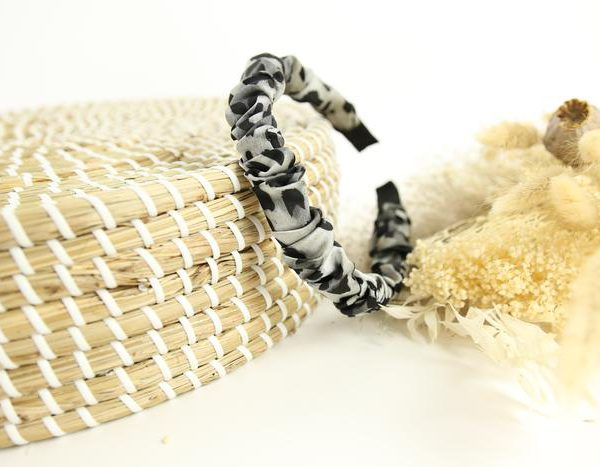 Slim Ruffle Grey/Black Headband